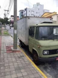 Vendo excelente caminhão 608
