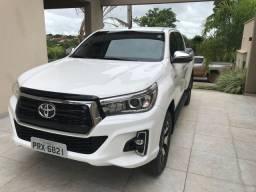 Toyota hyllux srx
