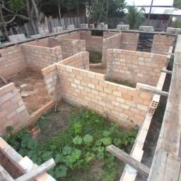 Estou vendendo este terreno com a casa em construção