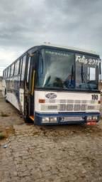 Ônibus bem conservado, funcionando perfeitamente