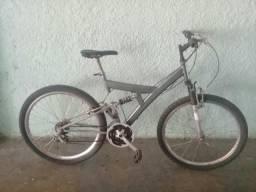 Bicicleta trek aro 26 e 21 marchas full suspension rodas aero toda shimano