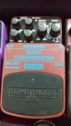 Pedal contra baixo Bass synt Behringer