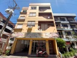 Amplo apartamento de 1 Dormitório com sacada.