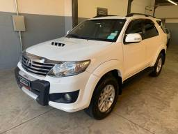 Toyota SW4 3.0 SRV 2013 Único dono 7 lugares Baixo KM - Financiamos - aceitamos trocas