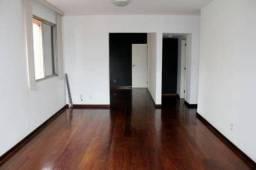 Apartamento em Ipanema para aluguel, são 5 quartos e 2 vagas de garagem