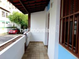 Aproveite! Casa 5 Quartos com Garagem para Aluguel em Amaralina (737904)