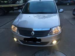 Carro Renault Logan 2011/12