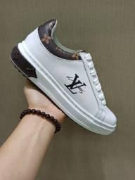 Sapatenis Louis Vuitton Couro Premium