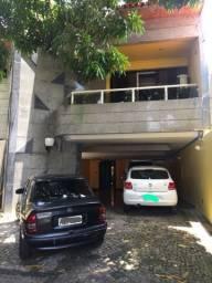 Casa Duplex - 07/4 sendo 05 suítes
