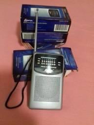 Rádio  AM FM portátil novo