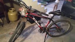 Bike TSW Aro 26, quadro 17, freio hidráulico, 24 velocidades, relação Shimano Altus.