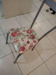 Cadeira PRECISANDO DE SOLDA