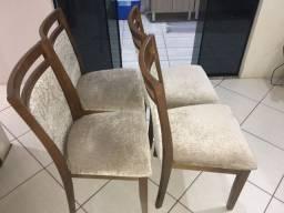 Cadeiras ?estilo provençal ?.