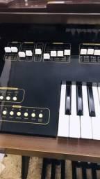 Órgão de som maravilhoso