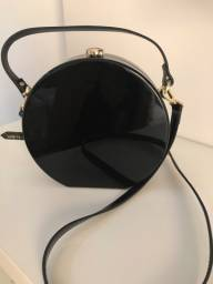 Bolsa Zara redonda de acrílico preto