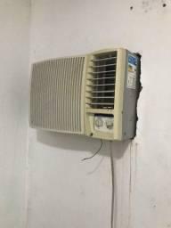Ar condicionado funcionando 100%, Leia a Descrição !