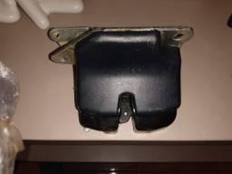 Fechadura porta mala palio