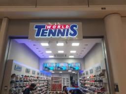 Loja World Tennis do shopping Vitória está contratando