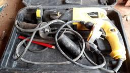 Ferramentas e maquinários e betoneira