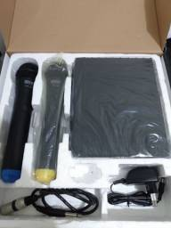 Microfone Sem Fio Profissional Duplo de Mão UHF 261 SKP<br><br>