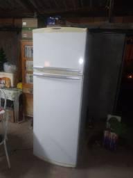 Vende se geladeira Brastemp duplex conservada