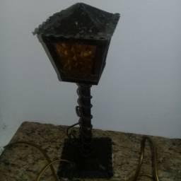 abajur ou luminária lampião antigo