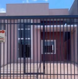 Casa nova no Veredas com passagem lateral para o quintal