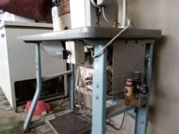Maquina de pesponto 1 agulha Eletronica a ar.
