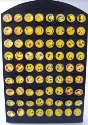Cartela de brincos emoticons