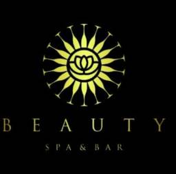 Salão aluga espaço para profissionais da área da beleza.