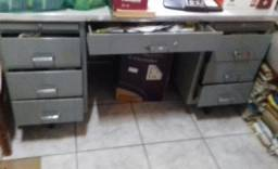 Mesa aço 7 gavetas