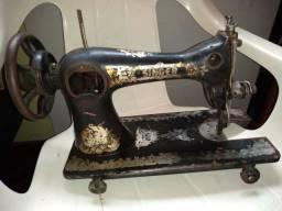 Máquina de costura Singer antiga oferta 100,00
