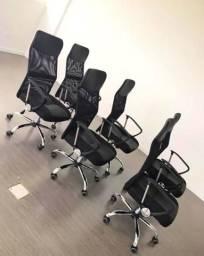 Cadeiras giratórias reclináveis presidente - novas, nunca usadas (cada uma)