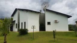 Lindíssima Casa 03 quartos, terreno 2.500 m². Condomínio Real Vile, Corumbá IV