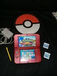NEW NINTENDO 3DS + 3 JOGOS (2 POKÉMON e 1 KIRBY) + CARREGADOR + CASE