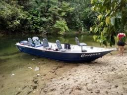 Barco Stilo com motor Yamaha 40HP