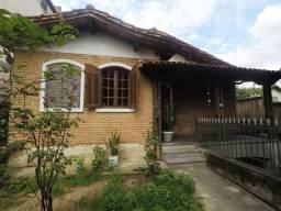 Casa 4 Quartos com suite e 2 vagas de garagem lote grande