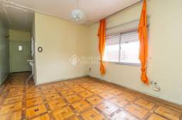 Apartamento para alugar com 2 dormitórios em Medianeira, Porto alegre cod:320700