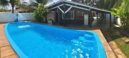 Vende-se casa com piscina em Itamaracá