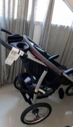 Carrinho de bebê importado gracco