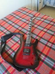 Guitarra Jackson Vermelha usada em estado de nova, RS
