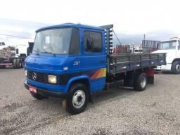 MB 608 ano 1986 carroceria
