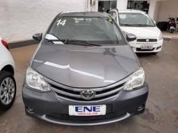 Etios Hatch 1.5 XS 2014 Flex