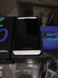 Veja esse anúncio! Lindo BlackBerry Z10 branco!