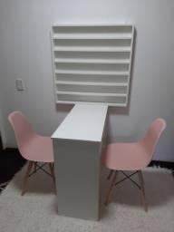 Mesa de Manicure +2 cadeiras + esmalteira