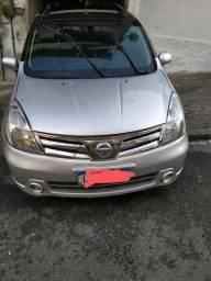 Carro Livina