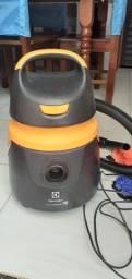 Aspirador de pó e Água Eletrolux