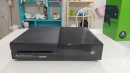 Vendo Xbox one +jogos