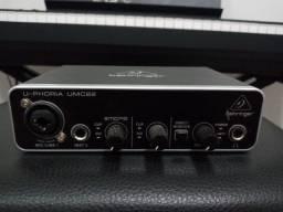 Interface de áudio behringer umc22