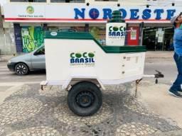 Vendo reboque de água de coco + ponto de venda